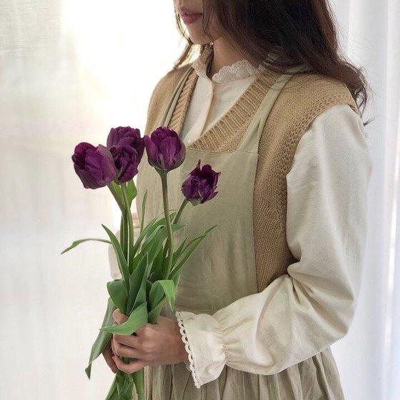 자주색 튤립의 꽃말은 영원한 사랑이다. [사진 류아은]