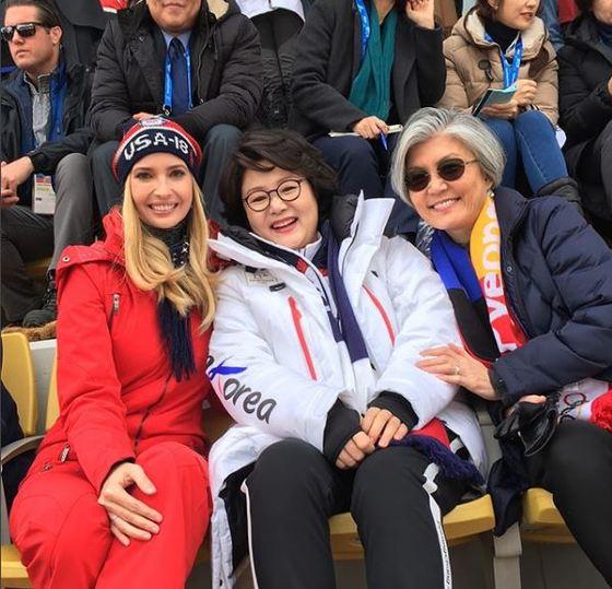 이방카(왼쪽)는 김정숙 여사(가운데), 강경화 외교부 장관(오른쪽)과 함께한 모습을 자신의 인스타그램에 게시했다. [사진=이방카 인스타그램]