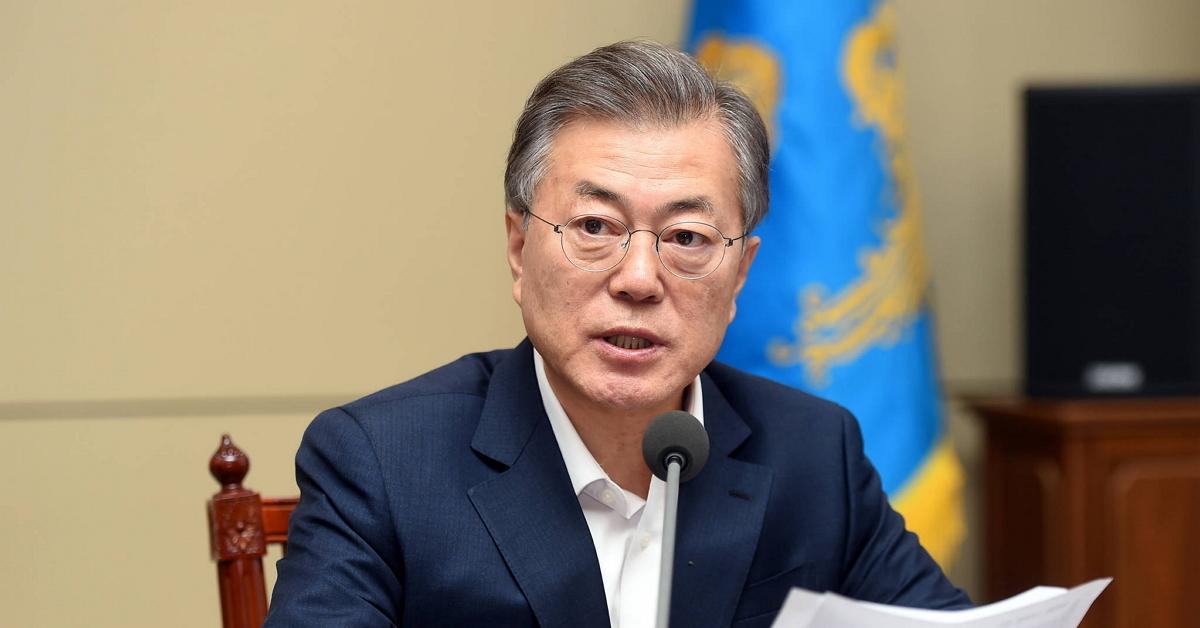 문재인 대통령이 26일 청와대에서 열린 수석보좌관 회의에서 모두 발언을 하고 있다. [사진 청와대사진기자단]
