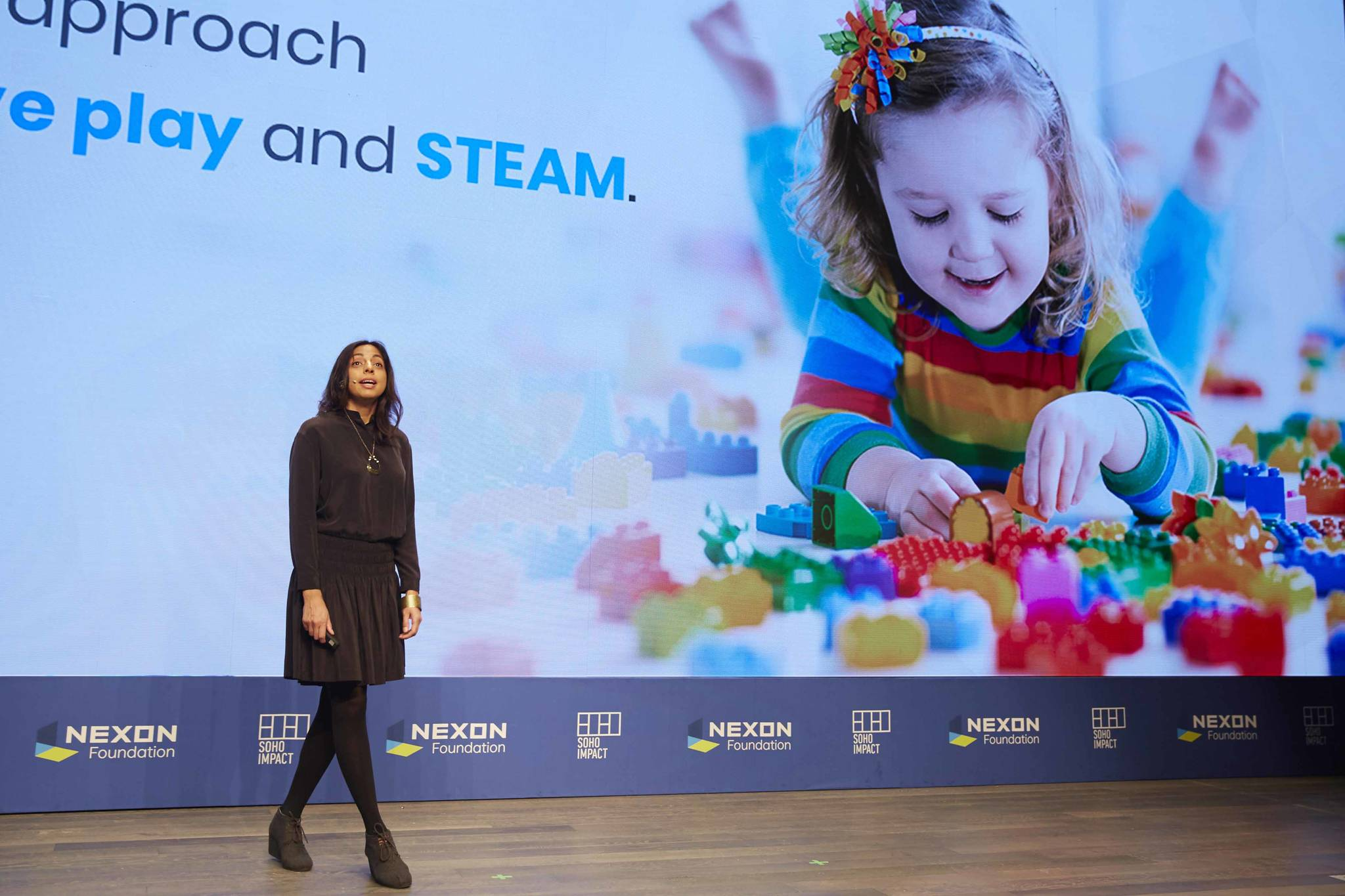 27일 소호임팩트 재단의 프리야 베라 대표가 브릭 기부 활동과 브릭을 통한 창의성 증진에 대해 설명하고 있다. [사진 넥슨코리아]