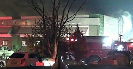 지난 27일 파주 탄현면의 고시원 건물에서 화재가 발생해 9명이 대피하고, 1명이 다쳤다. [사진 파주소방서]