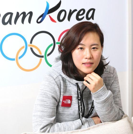 여자아이스하키 남북단일팀 골리 신소정. 평창올림픽 5경기에 모두 출전해 상대팀이 날린 236개의 슈팅 가운데 210개를 몸으로 막아냈다. [우상조 기자]