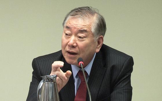 문정인 대통령 통일외교안보특보가 27일(현지시간) 미국 워싱턴DC에서 열린 세미나에서 북한문제에 대해 발언하고 있다.