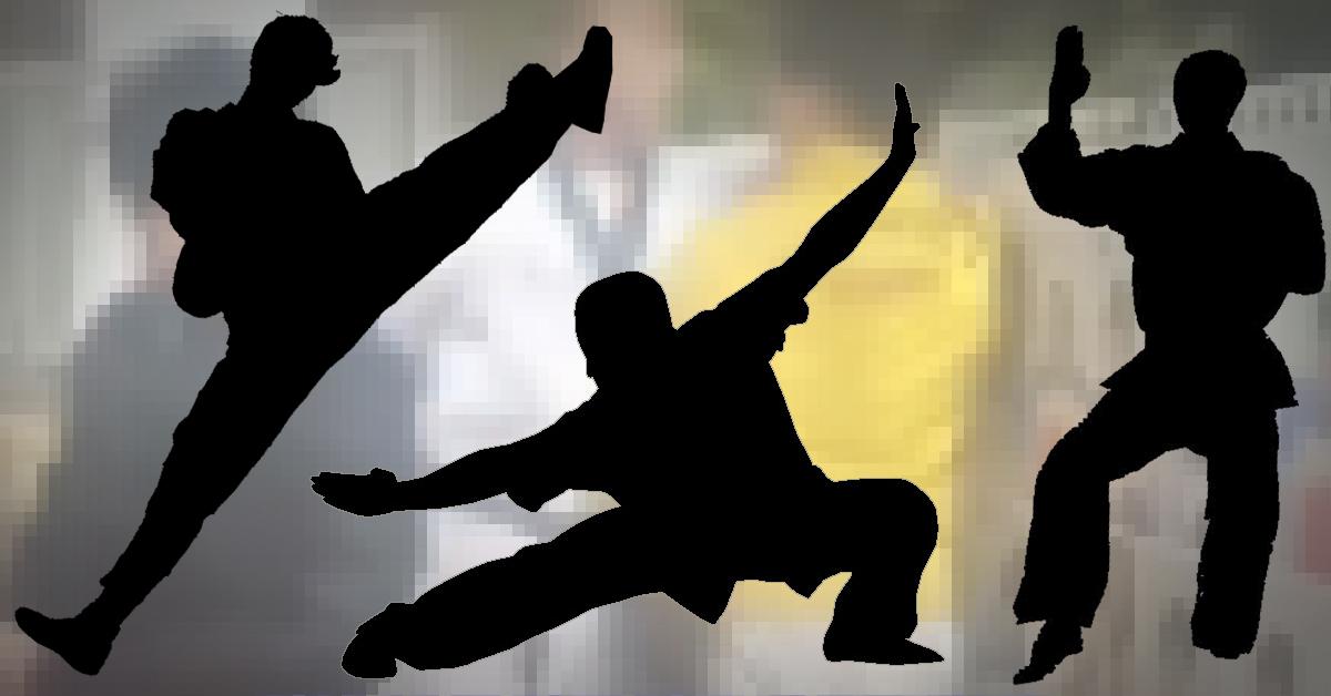 도복을 입고 유치원 앞에서 관원 유치활동을 하던 태권도장 3곳 관장과 사범들이 싸움을 펼쳐 경찰이 조사에 나섰다. [중앙포토ㆍ연합뉴스]
