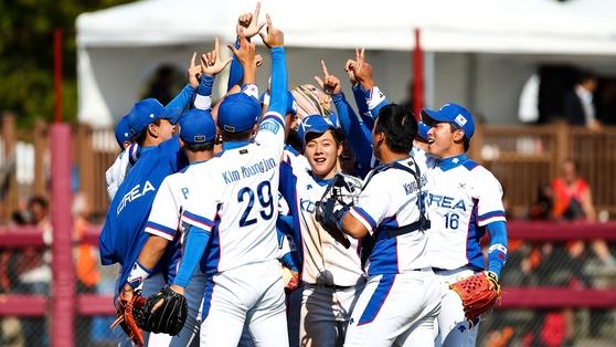 10일(한국시간) 캐나다 선더베이에서 열린 18세 이하 세계선수권에서 일본을 꺾고 결승에 오른 야구대표팀