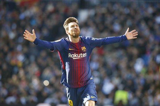 바르셀로나 메시가 23일 열린 라이벌 레알 마드리드와 경기에서 골을 터트리면서 3-0 완승을 이끌었다. [사진 바르셀로나 트위터]