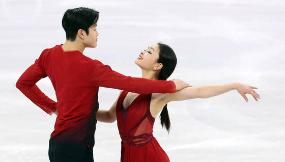US' Alex and Maia Shibutani at team event ice dance free dance skating competition at 2018 PyeongChang Winter Olympics. February 12 at Gangneung Ice Arena. Photo from YONHAP.