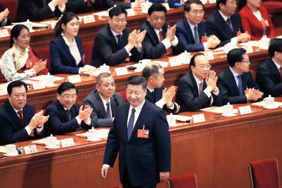 '시황제' 시진핑 … 종신집권 가능한 개헌안 통과