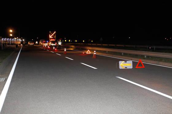 2차사고 피해를 예방하기 위해서는 차량 뒤에 삼각대 등을 설치해 뒤에 오는 차량에 사고 상황을 알려야한다. [사진 교통안전공단]