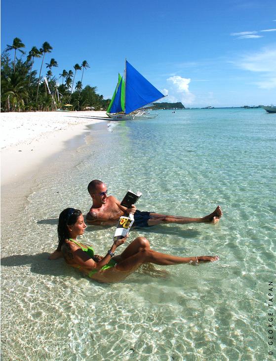 필리핀 보라카이 해변이 환경오염을 이유로 올 여름 두 달간 폐쇄될 위기를 맞고 있다. [사진=필리핀 관광청]