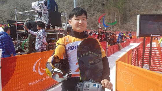 평창패럴림픽 한국 선수 중 최연소(18세)인 장애인 스노보드 크로스 국가대표 박수혁. [김지한 기자]