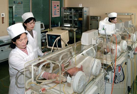 북한 여성종합병원인 평양산원. [중앙포토]