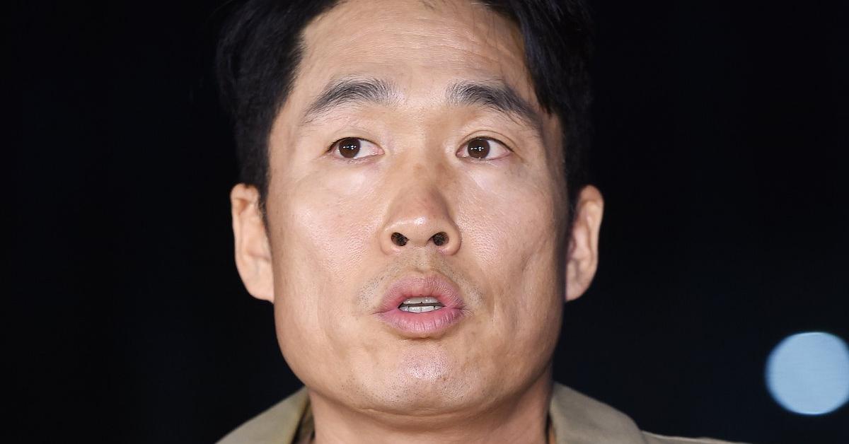 지난해 11월 21일 방송인 이창명이 오후 서울 영등포경찰서에 조사를 위해 들어서며 취재진의 인터뷰에 응하고 있다. [뉴스1]