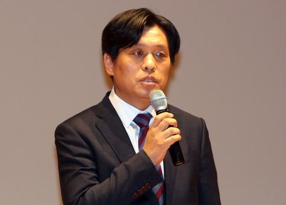 더불어민주당 조승래 의원이 15일 대전 서구문화원에서 열린 대전시당 젠더폭력대책특별위원회 출범식에서 인사말을 하고 있다. [연합뉴스]