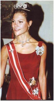 """스웨덴 왕세녀 빅토리아는 1990년대 중반 한동안 섭식장애를 겪은 것으로 알려진다. 그는 이후 인터뷰와 책을 통해 """"당시엔 번민이 많았다. 내 생김새가 마음에 들지 않았고 내가 아니라 다른 사람이 내 인생을 통제하는 것 같았다""""고 고백했다. [사진 인스타그램]"""