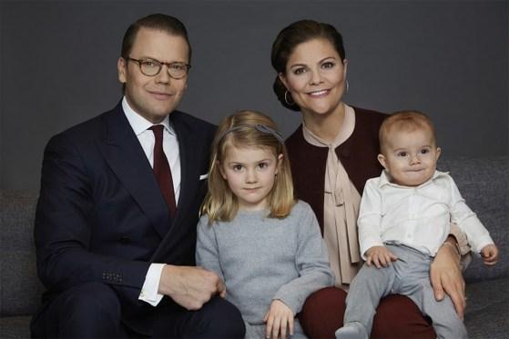 스웨덴 빅토리아 왕세녀와 남편 다니엘 바스테르고틀랜드 공작. 첫딸 에스텔 공주와 아들 오스카 왕자. [스웨덴 왕실]