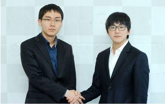 박정환(왼쪽) 9단과 김지석 9단 [사진 한국기원]