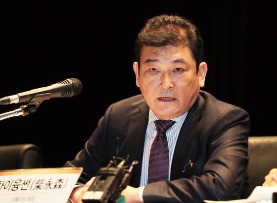 더블스타의 차이융썬 회장이 22일 기자회견에서 질문에 답하고 있다. [연합뉴스]