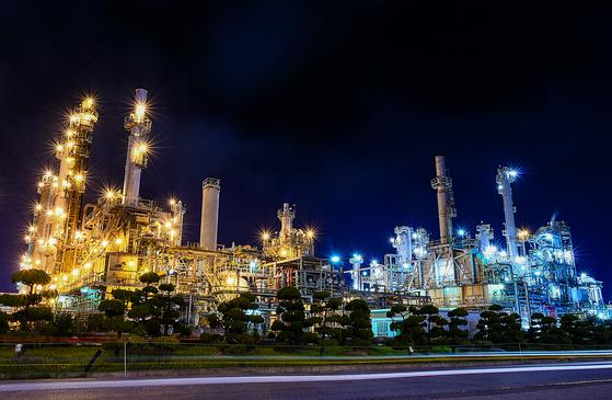 국내 최대 규모의 석유화학단지 여수국가산업단지의 야경.(사진=여수시청 제공)