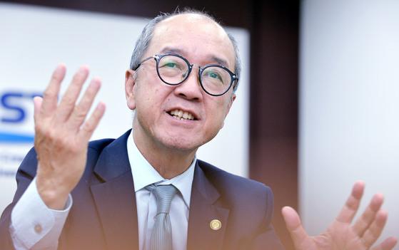지난 20일 KAIST 비전선포식에 참석 한 토니 챈 홍콩과기대 총장을 만나 급성장의 비결을 들었다. 프리랜서 김성태