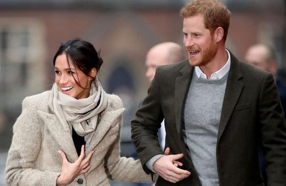 5월19일 결혼하는 영국 해리 왕자와 미국 배우 메건 마클. 결혼을 앞두고 각종 왕실 공무에 함께 참여하고 있다. [중앙포토]