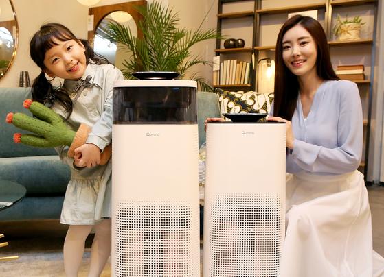 현대렌탈케어는 1대 가격에 2대의 공기청정기를 사용할 수 있는 상품을 내놓았다. [사진 현대렌탈케어]