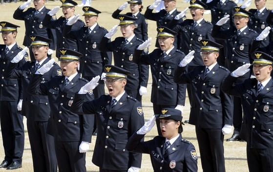 지난 13일 오후 충남 아산 경찰대학교에서 열린 2018년 경찰대학생, 간부후보생 합동 임용식. 프리랜서 김성태