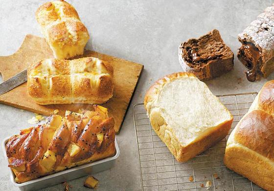 파리바게뜨는 식빵의 종류에 따라 맛·식감·풍미를 극대화할 수 있는 전용 밀가루를 사용한다. 여기에 토 종 효모를 사용해 한국인이 좋아하는 쫄깃한 식감과 부드러운 맛을 식빵에 구현했다. [사진 파리바게뜨]