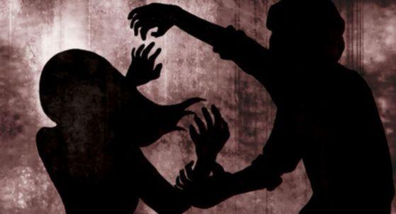 불륜을 의심해 아내를 때려 숨지게 한 남편이 경찰에 검거돼 조사를 받고 있다. [중앙포토]
