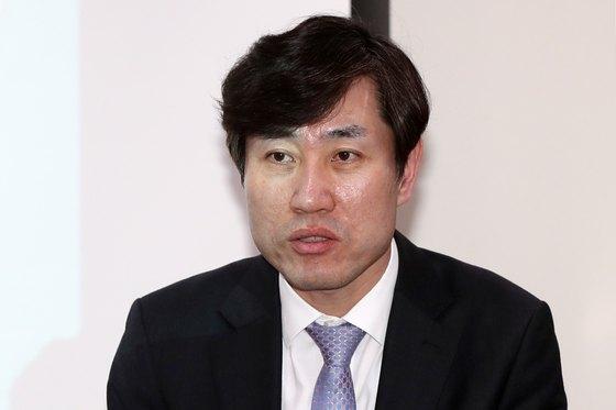 하태경 바른미래당 의원이 지난 19일 오후 서울 영등포구 여의도 국회의원회관에서 열린 '타워크레인 사고 예방을 위한 정책간담회'에서 개회사를 하고 있다. [뉴스1]