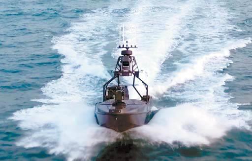LIG넥스원이 개발한 무 인수상정은 원격조정 및 자율운항 통제가 가능해 인력을 대신해 다양한 임무를 수행한다.