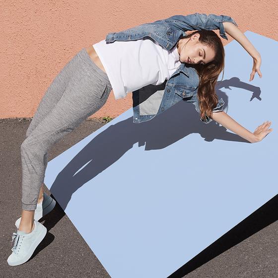 운동복 못지 않은 기능성 소재로 무장한 일상복이 현대인의 다채로운 라이프스타일을 채우고 있다. [사진 유니클로]
