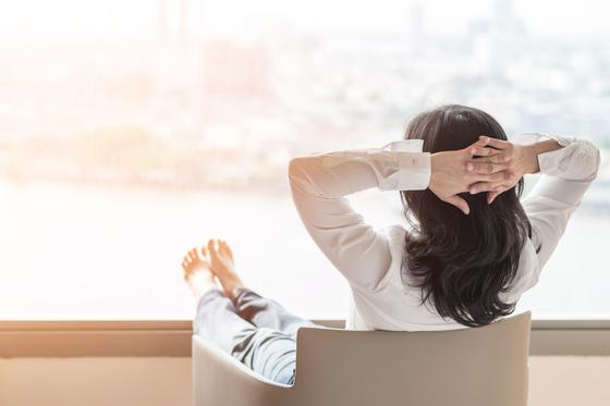 20년 동안 쉼 없이 일해온 중년에게 일에 찌든 고단한 시간을 잊어버리는 짧은 휴식이 필요하다. [사진 미래의창]