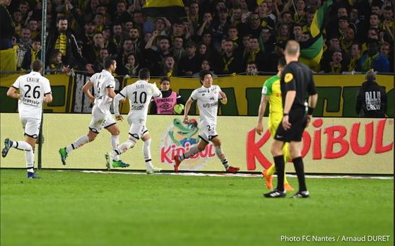 프랑스 프로축구 디종 권창훈(가운데)이 15일 낭트전에서 골을 터트린 뒤 기뻐하고 있다. [사진 디종]