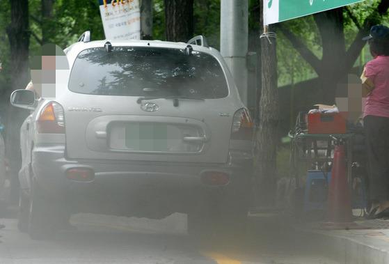 자동차 배출가스 단속 현장 [중앙포토]