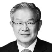 권태신 전국경제인연합회 상근부회장(한국경제연구원장)