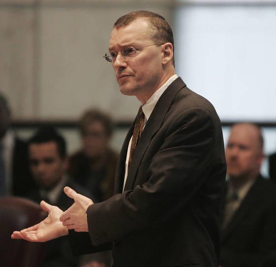 2006년 뉴저지 대법원에서 동성 결혼을 지지하는 발언 중인 데이비드 버켈 변호사. [AP=연합뉴스]