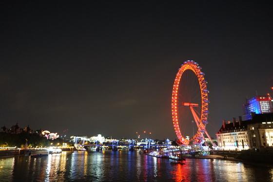 부부는 런던에서 빅벤과 런던아이가 잘 보이는 시내 중심가에 호텔을 잡고 템즈강 산책을 즐겼다. [사진 윤현희]