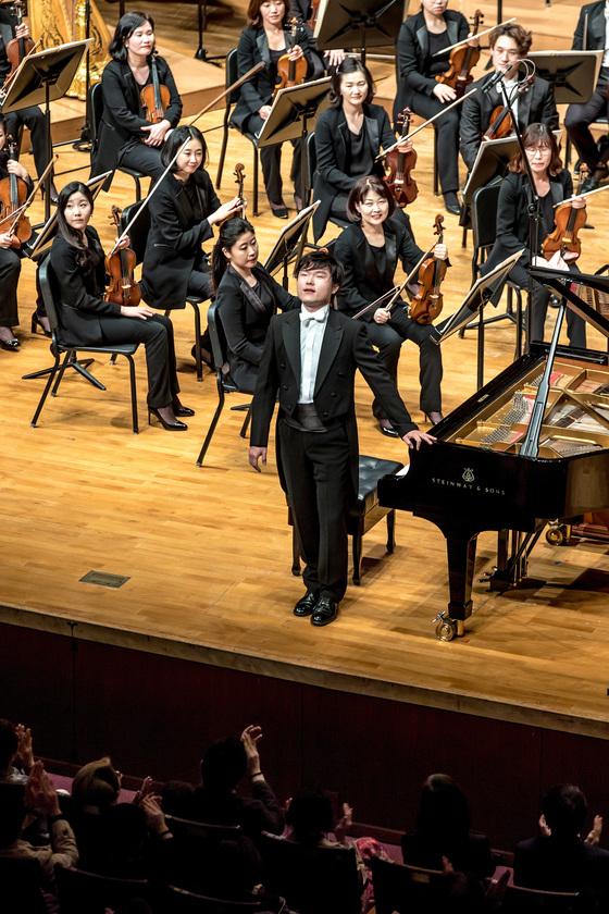 30회가 된 예술의전당 교향악축제 무대에 10일 데뷔한 피아니스트 김준희. [사진 예술의전당]