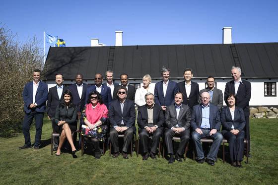 유엔 안전보장이사회 각 국 대표들이 스웨덴 별장에서 워크숍을 열고 시리아와 북한 문제 등을 논의했다. [ AP=연합뉴스]