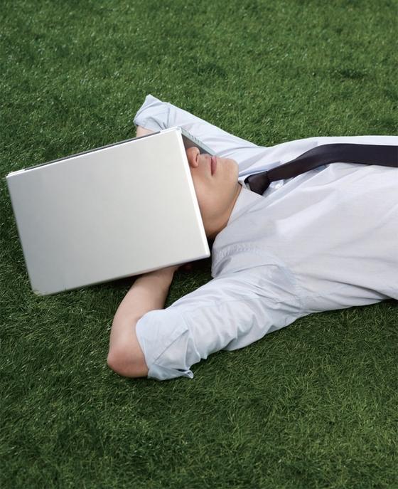 수면이 부족한 사람은 무력감을 느낄 확률이 7배, 외로움을 느낄 확률이 5배나 높다고 알려졌다. / 사진:ⓒ gettyimagesbank