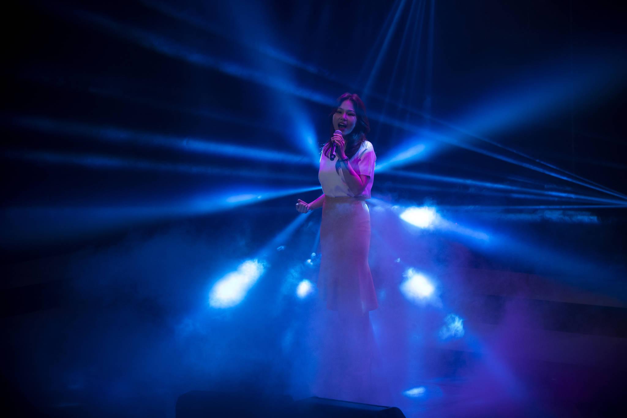 제11회 루게릭 희망콘서트에서 가수 알리가 공연하고 있다. 박종근 기자