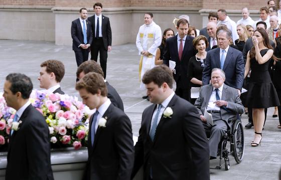 바버라 장례식 ... 전직 대통령 4명 배웅