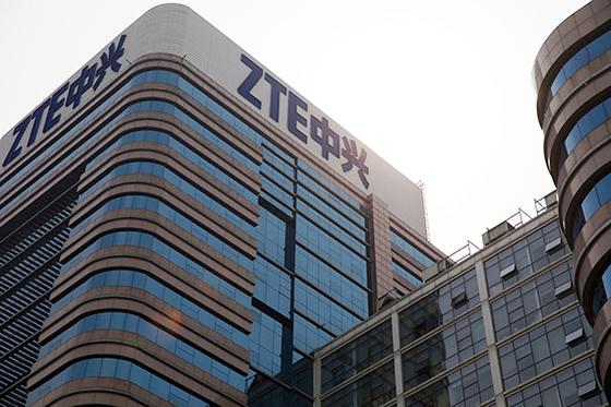 중국의 통신장비업체 ZTE가 지난 16일 미국 기업과의 7년간 거래 금지 제재를 받았다. [로이터=연합뉴스]