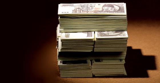 올해 공무원 평균 월급은 522만원으로 지난해보다 12만원 올랐다. [중앙포토]