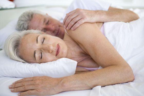 미국에서 오래된 부부를 대상으로 부부 관계 개선에 가장 효과적이었던 말이 무엇인지 묻자 1위가 '잘 잤어?'라는 인사였다. [사진 smartimages]