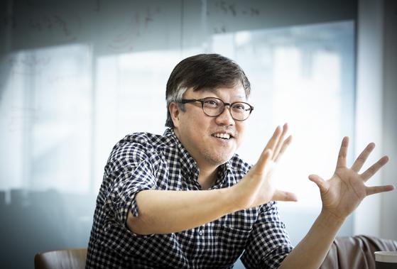 올해 제54회 백상예술대상 영화부문 심사위원장을 맡은 최동훈 감독. 권혁재 사진전문기자