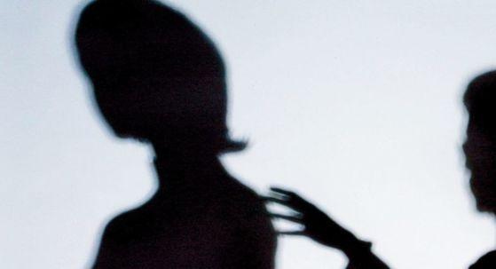 """일본에서 성희롱 피해를 당한 여성의 60%는 성희롱을 당했을 당시 """"그냥 참았다""""고 답했다. [중앙포토]"""