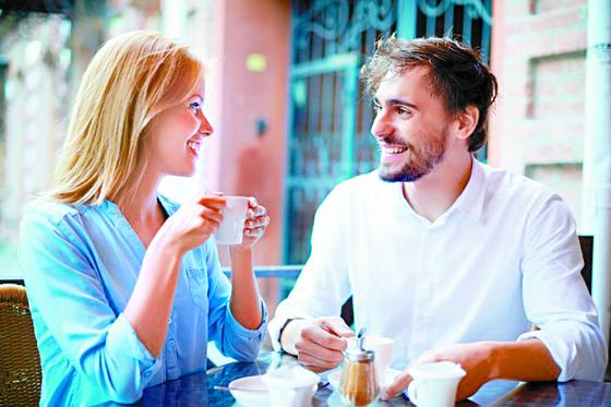 마음이 맞는 사람과 나누는 허물없는 대화를 통해 삶의 충만함과 큰 위안을 얻을 수 있다. [사진 freepik]