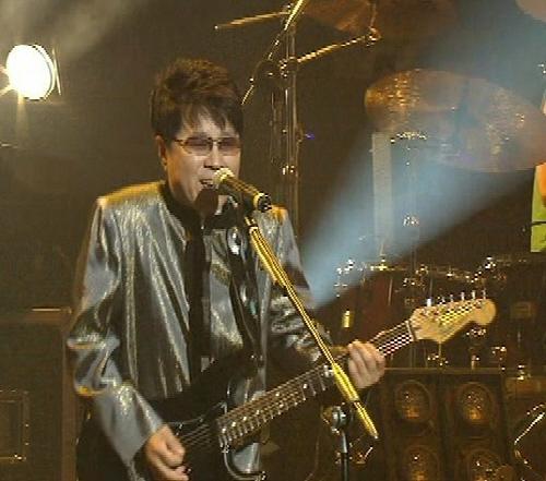 2005년 평양 류경정주영체육관에서 단독 콘서트 '필&피스(Pil&Peace)'를 연 조용필. 그 이후 13년 만에 지난달 평양에서 남북합동공연 '봄이 온다'가 열렸다. [중앙포토]